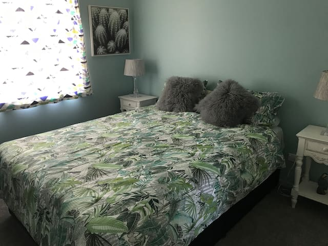 enjoy a confortable night with this brand new bed