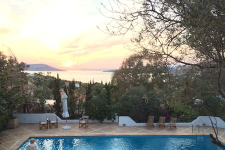 Villa with private pool at the Athenian Riviera - Thimari - Villa
