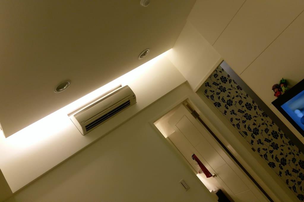 客廳備有冷氣空調 光線舒適