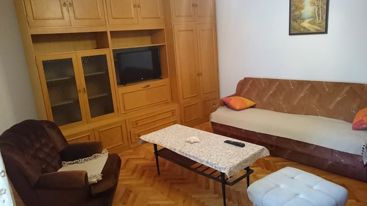 Big Comfortable Private Room with Balcony!