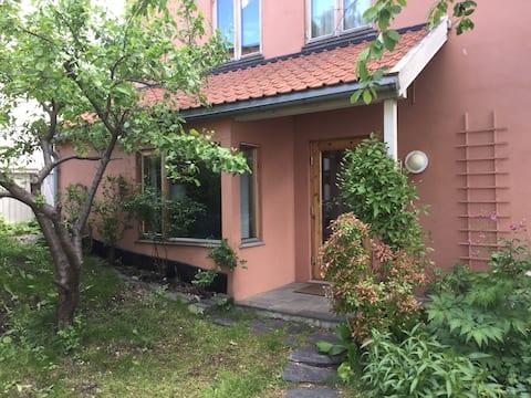 Acogedor apt. en zona tranquila y con encanto en el centro de Oslo