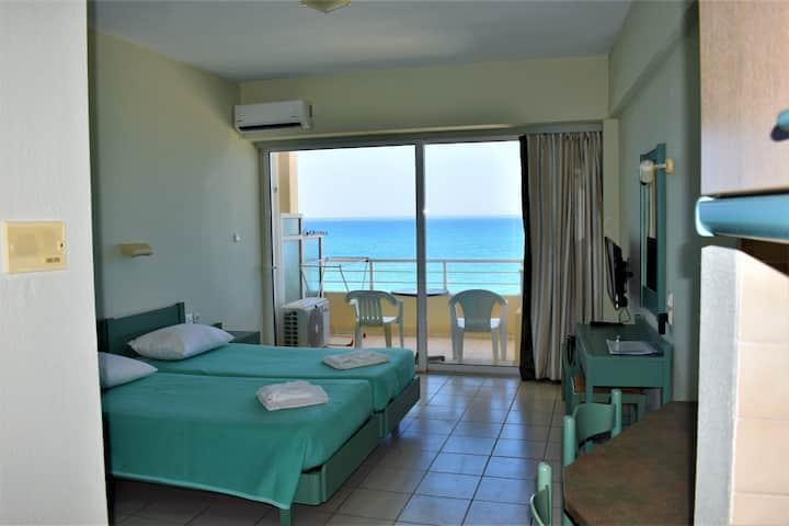 Ostria sea view studio