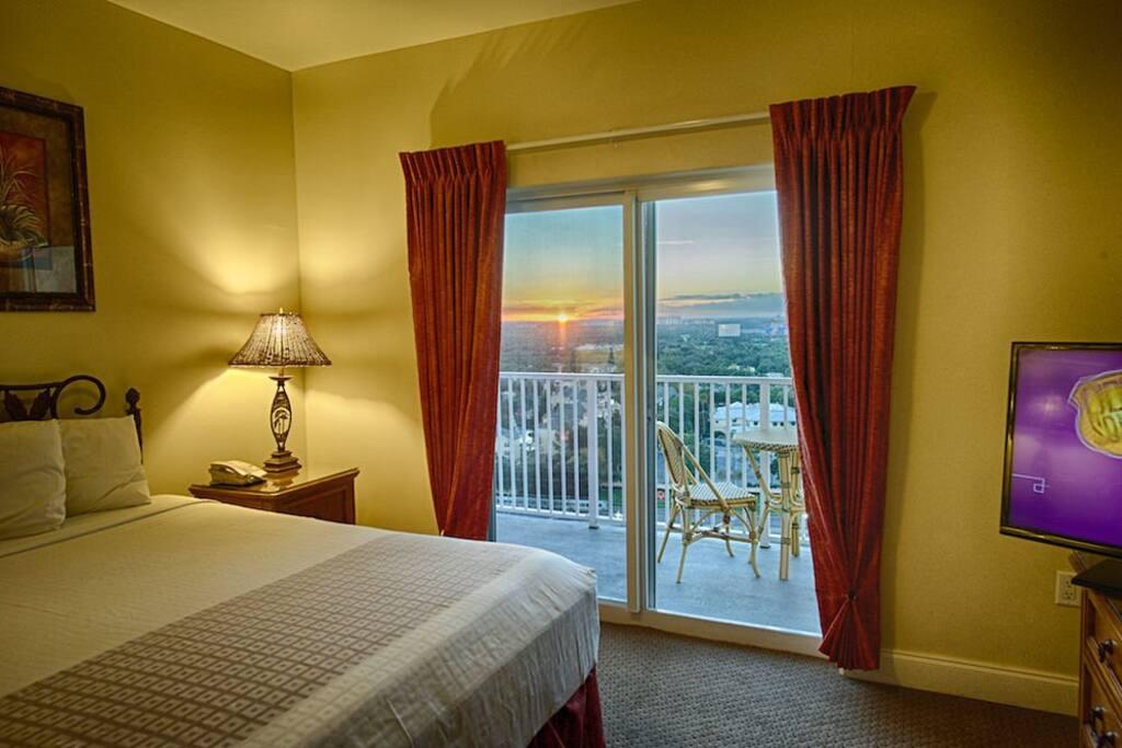 Bedroom,Indoors,Room,Deck,Porch
