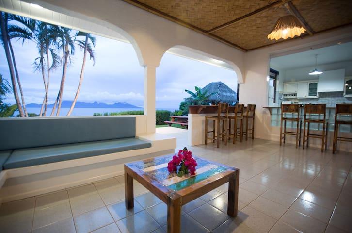 Villa Tahiti Nui - Tahiti - vue Moorea - piscine - Puna'auia - Wohnung