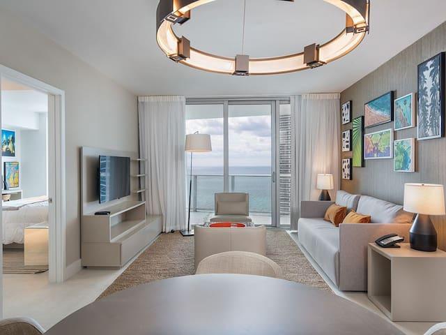 Gorgeous 2 Bedroom Oceaview at Hide Beach Resort