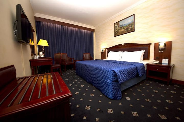 Double Delight Room | Mount Royal Hotel