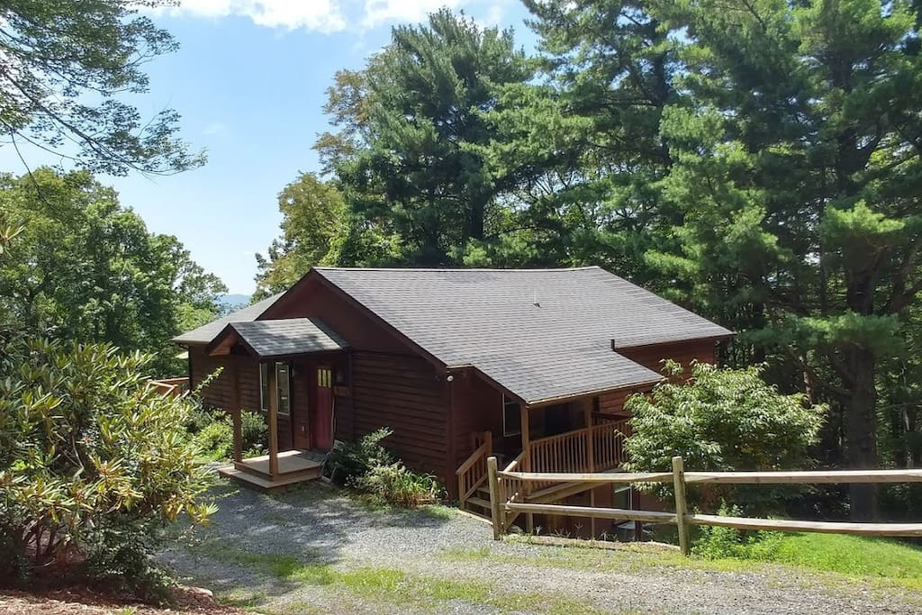 Downtown blowing rock 1 5 miles from your door cabins for Cabin rentals near blowing rock nc