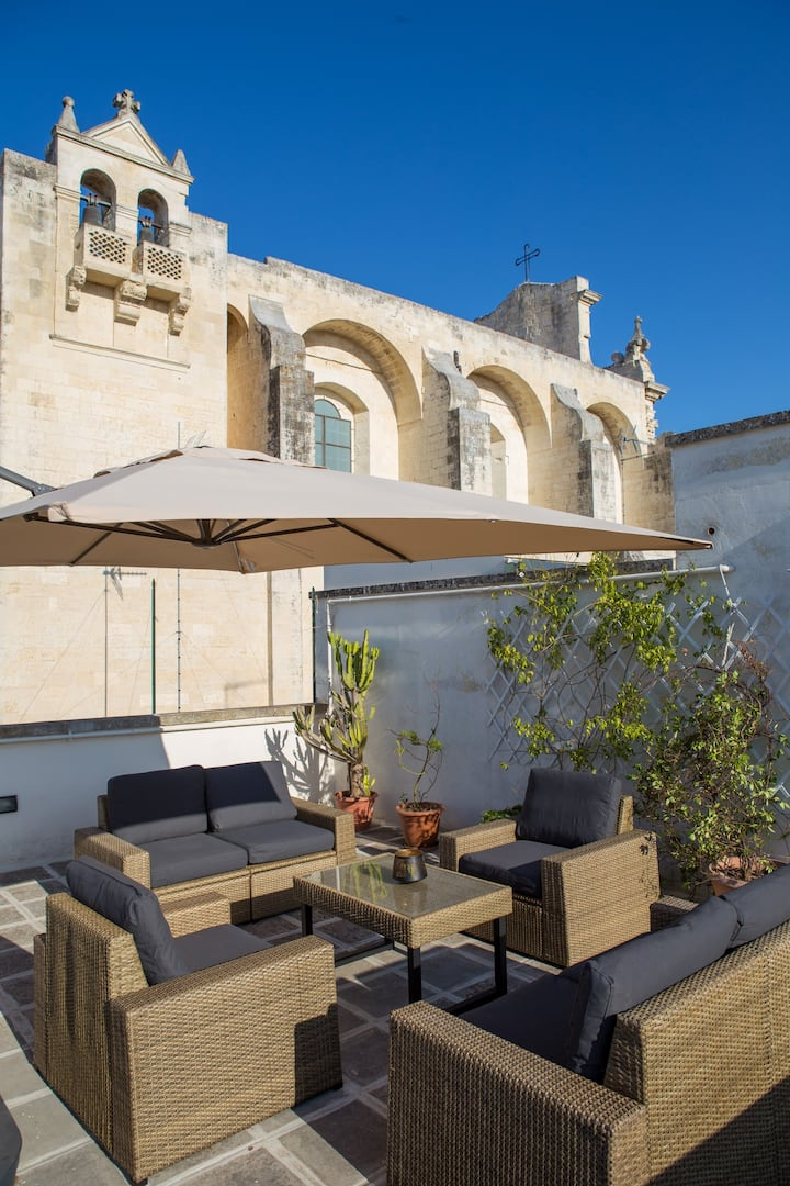 Splendid Apartment with terrace, Lecce City-Centre