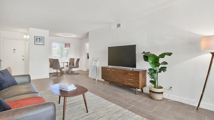 Renovated Scottsdale Condo w/ Pool!