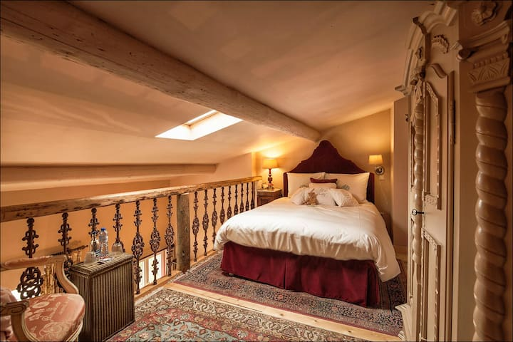 zeer comfortabel bed op open vide