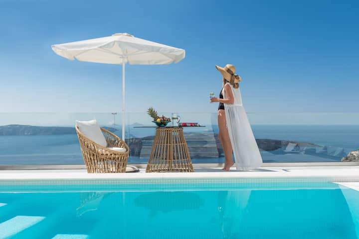 Anteliz Suites 3 Bedroom Villa with Caldera Pool