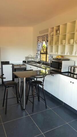 Mason's Nest Entire 3 Bedroom, 3 Bathroom Villa - Kingsburgh - Casa