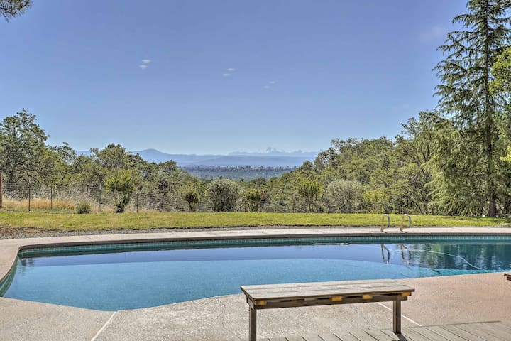 Palo Cedro Home w/ Mountain Views, Pool & Pasture!
