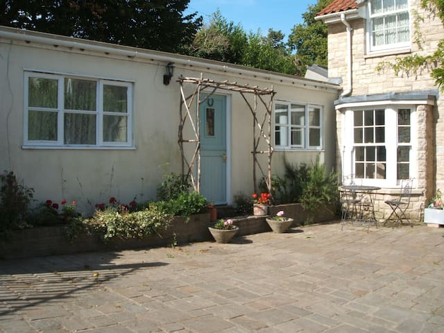 Self contained annexe for two people. - Wareham - Daire