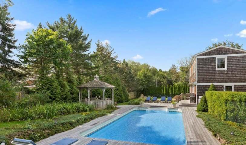 PRIME LOCATION! beautiful pool!! - Southampton - House