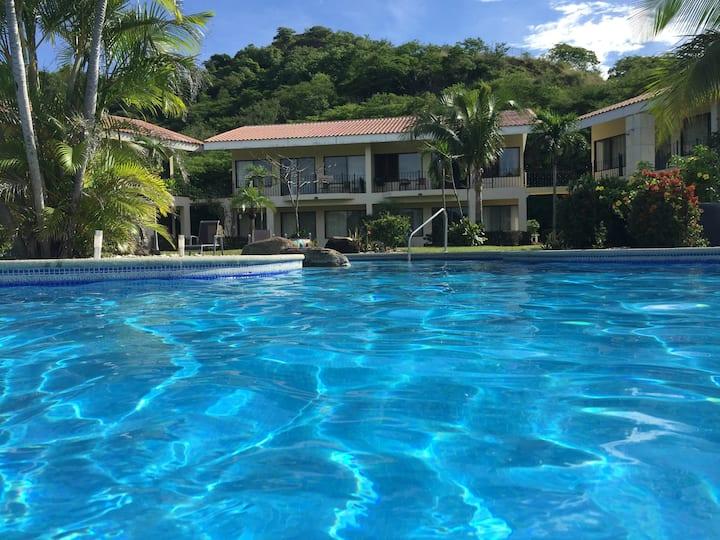Villa La Colina, Hill top view, Walk to beach