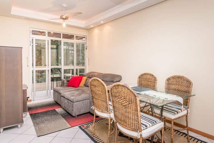 EXCELENTE APARTAMENTO EM COQUEIROS - Florianópolis - Apartamento