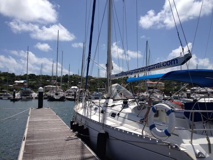 Houseboat in Rodney Bay Marina - YOTA
