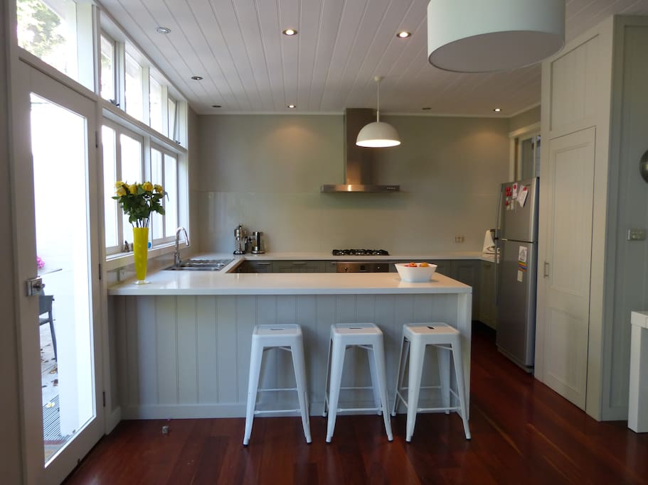 Well equipped kitchen with top quality appliances