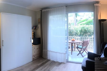 Cool studio in luxury residential in Aiguablava