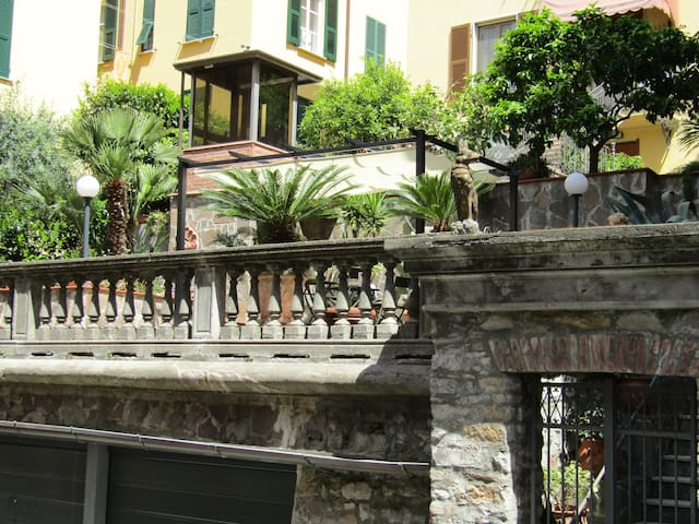 5. Room in Villa in Central Station - La Spezia - Casa