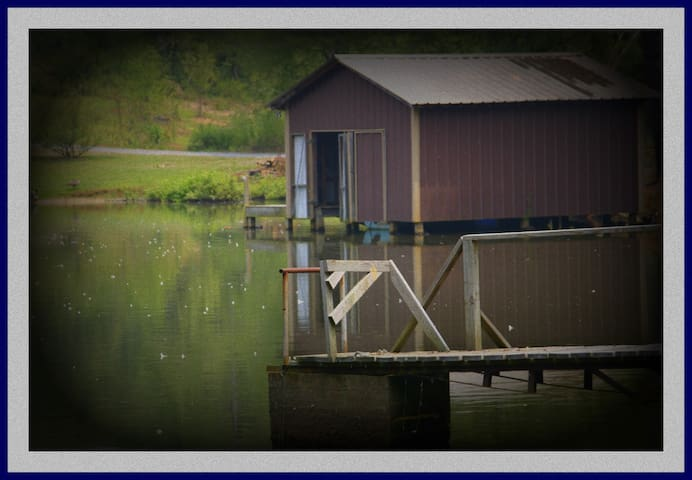 Boathouse View