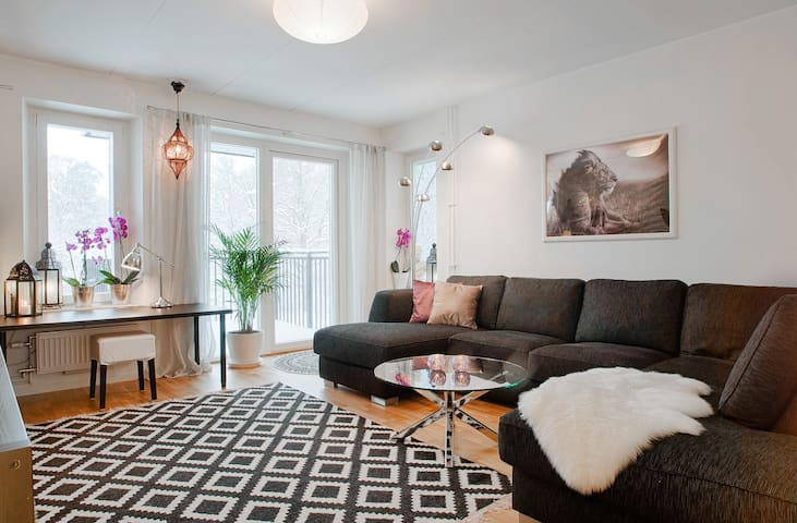 New, comfortable apartment south of the city - Stockholm - Wohnung