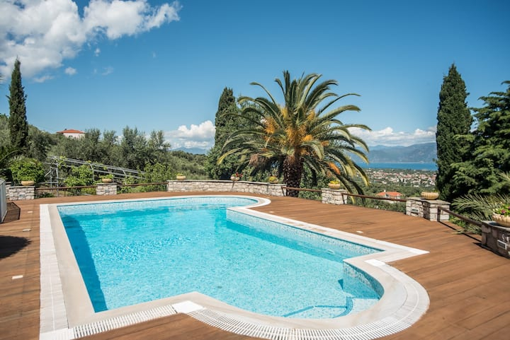 Villa Panorama with Sea View&Shared Pool