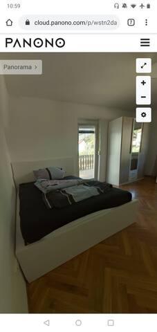 Schönes Zimmer mit Balkon und Garten!