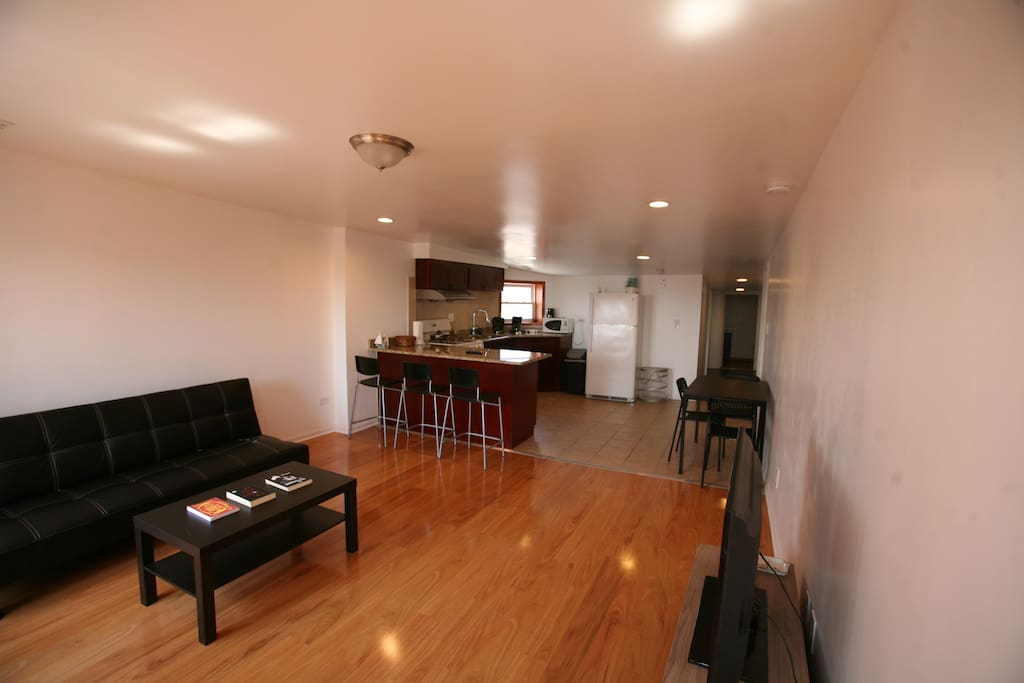 3 Bedroom Apt Bridgeport Mccormick Apartments For Rent In Chicago Illinois United States