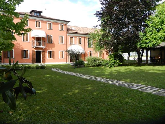 Appartamento in Villa (Cod.ID: M0270422269)