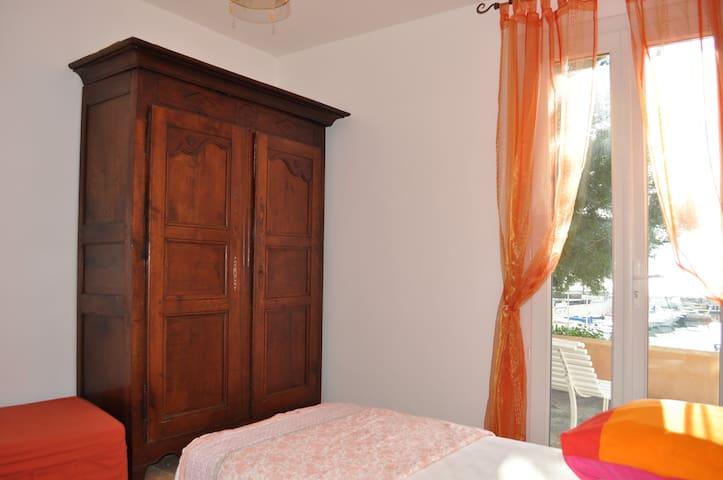 Belle villa, vue mer proche plages - Le Lavandou - Villa