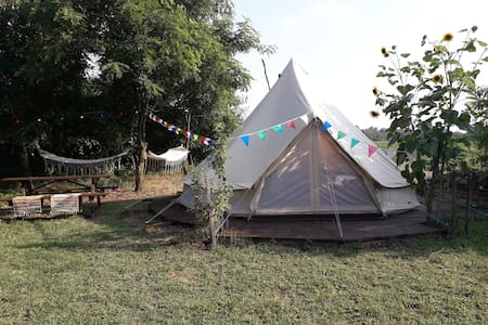 Bohemian glamping in the TinkerBell-tent