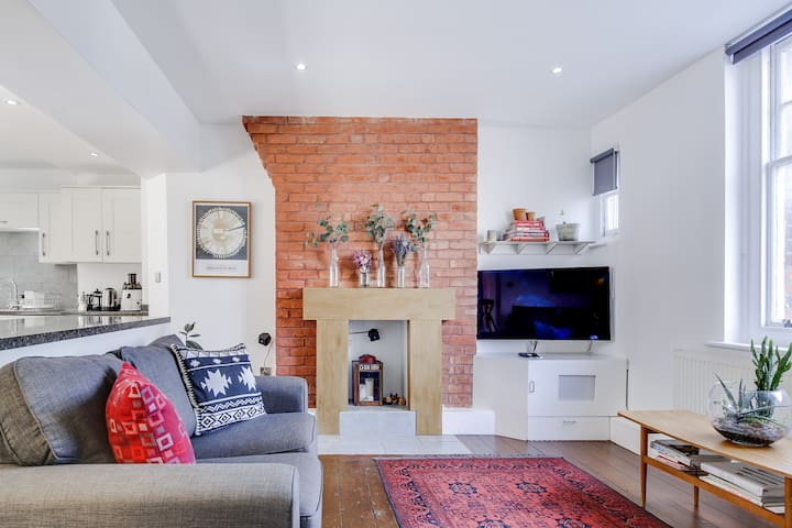 Lovely 3 bed Shoreditch flat. Contact-free checkin