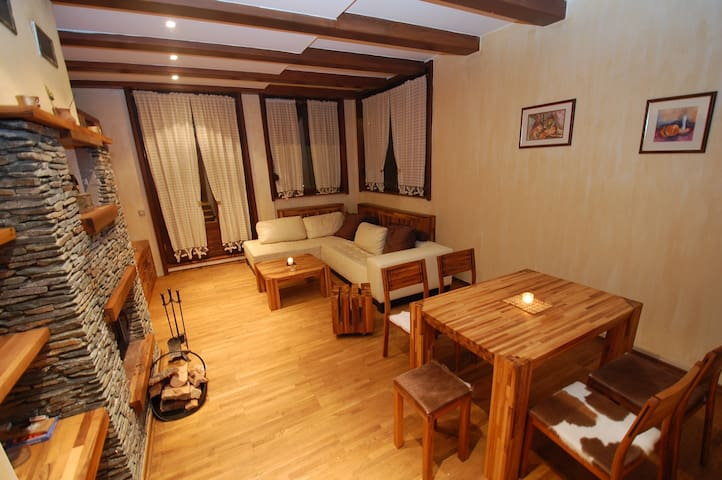 SKI LUXURY SUITE 60m2, Free WiFi, on Ski Run