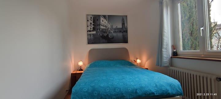 Double room in very quiet & cosy villa