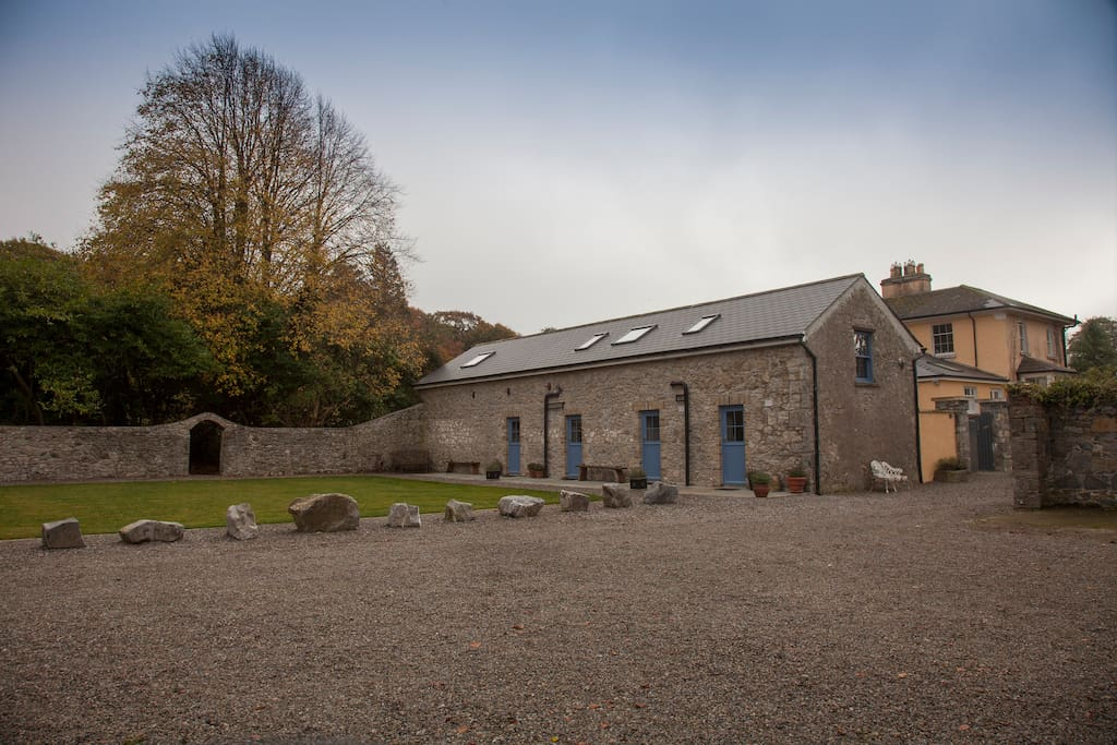 The beloved stone coachhouse at Hotwell, builtin 1838 and restored in 2017 to boutique luxury. Each room is ensuite with, smart bathroom, a superking sized bed and its own private entrance onto the sunny courtyard - through a cute stable door.