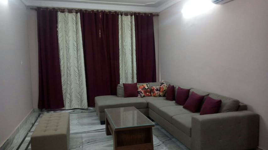 Three BHK  Apt 20 minutes to Apollo in Faridabad