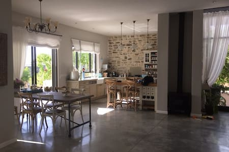 Beautiful Private Villa for 2 weeks in August! - Beit Yitzhak-Sha'ar Hefer - Villa
