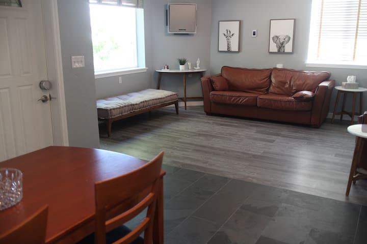 Modern luxury suite in Downtown San Jose
