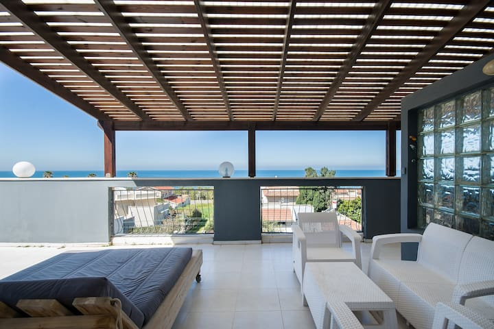 Unique Penthouse near the sea for your holiday.