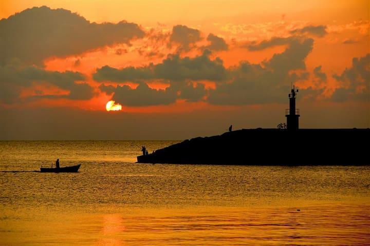 Cidenin Eşsiz Sahiline ve Limanına Yakın Konaklama