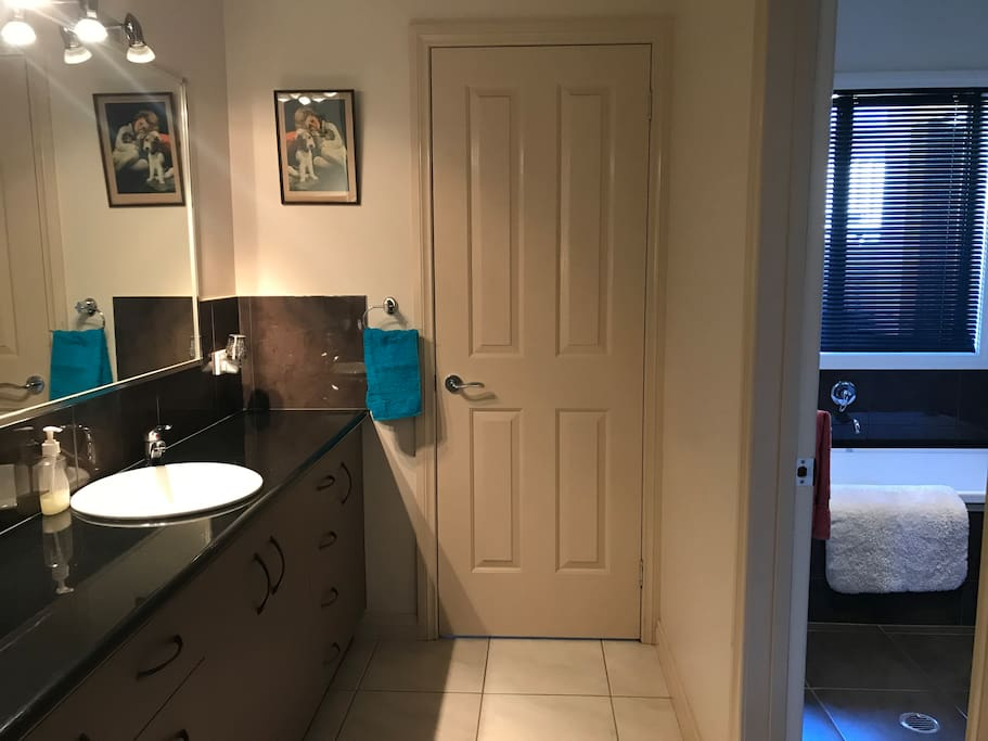 Bathroom, Powder Room & Toilet