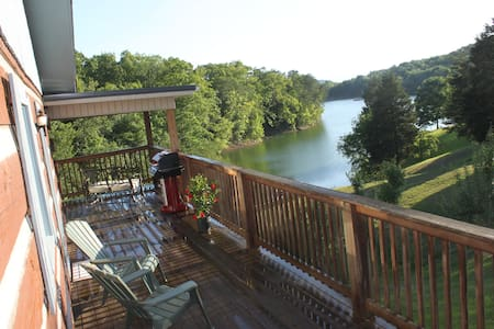 Log Cabin on Douglas Lake with private dock - Appartement