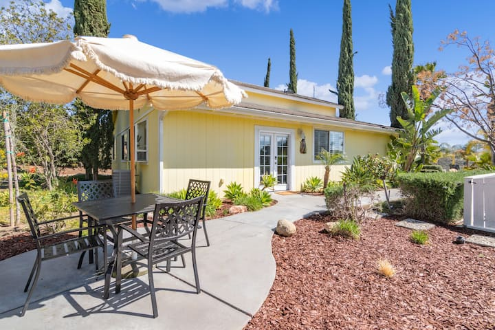 Coyote Cottage★Heart of Wine Country★ 1-br VIEWS!