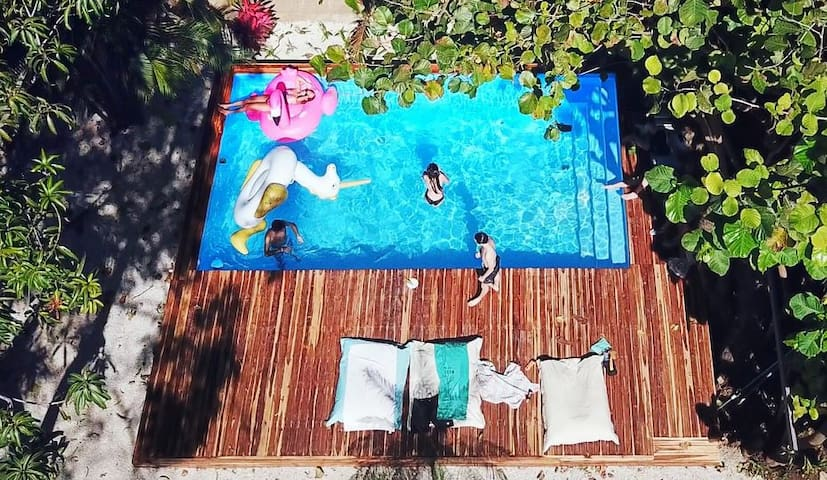 Poolside Cabina in Heart of Tamarindo - 6 Person