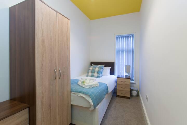 Townhouse @ West Avenue Crewe - Single Room 6