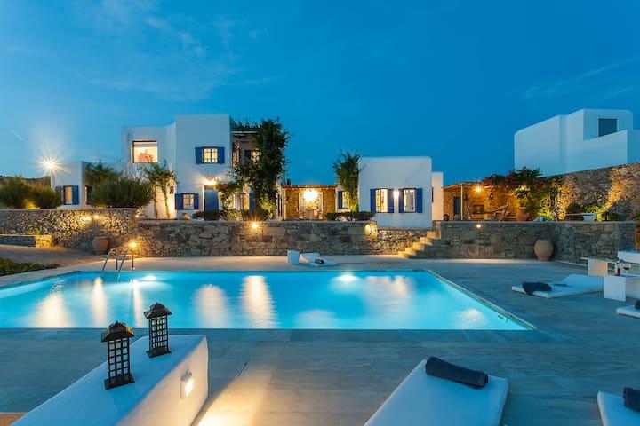 Iris 5Bed Villa in Agios Lazaros (Pool/Seaview)