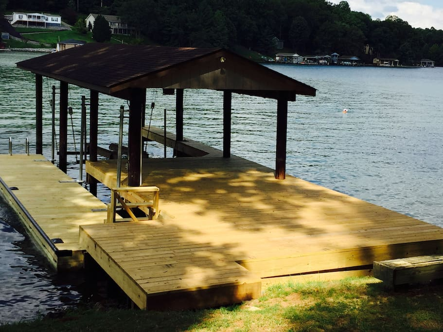 Newly renovated dock accessing expansive lake cove!