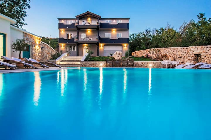 VILLA G., Relaxing and  Unique nest of Enjoyment